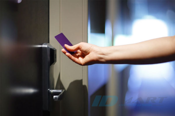 lợi ích của khóa thẻ từ khách sạn